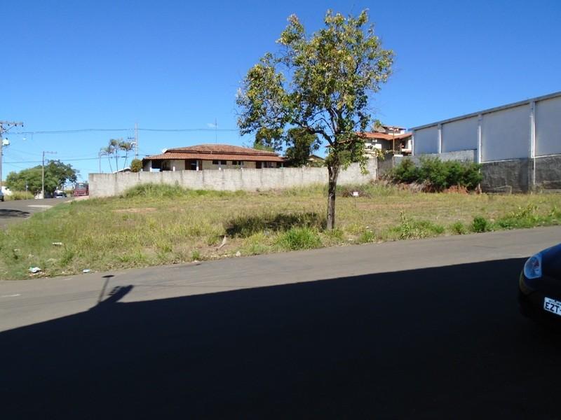 Terrenos e Chácaras-TERRENO RIO DAS PEDRAS-foto135334