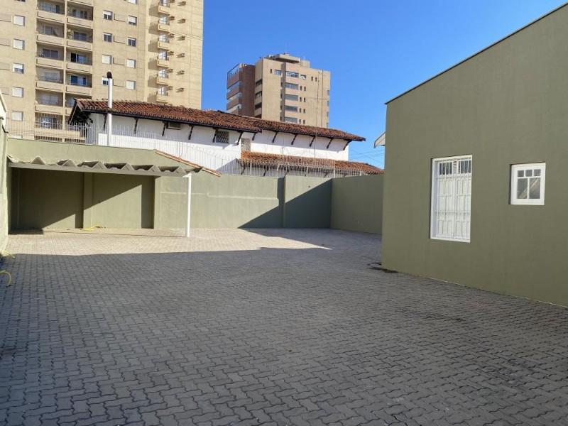 Comerciais-RUA GOVERNADOR PEDRO DE TOLEDO-foto177979